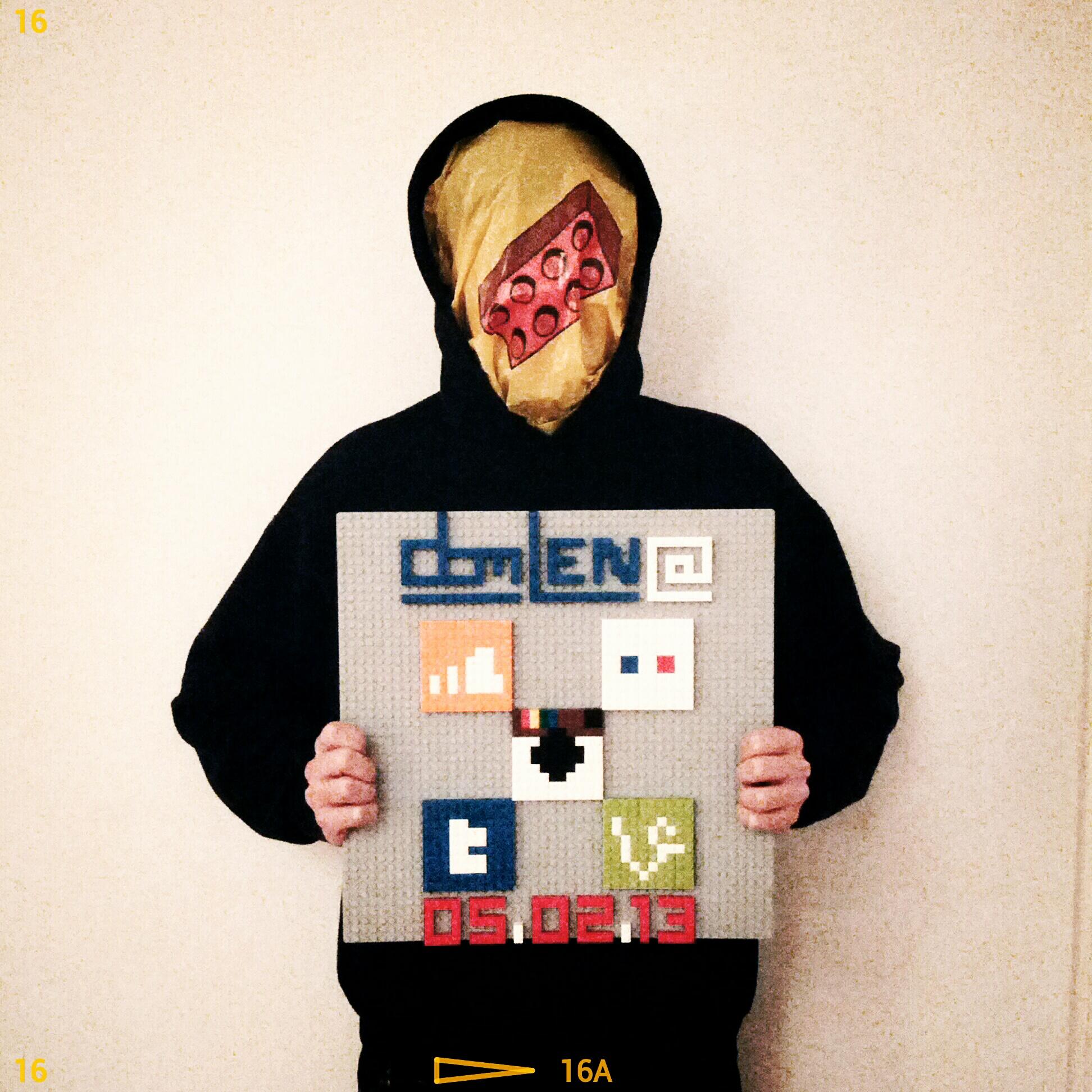 Selbstportrait als online-süchtiger LEGO Fan.